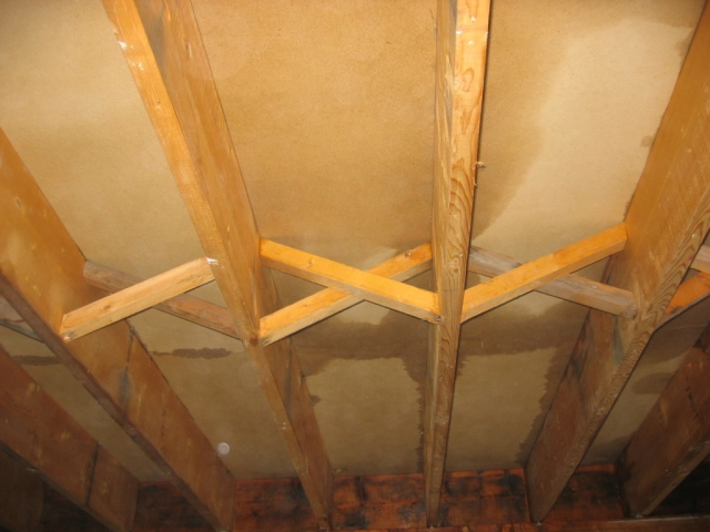 water-damage-ceiling